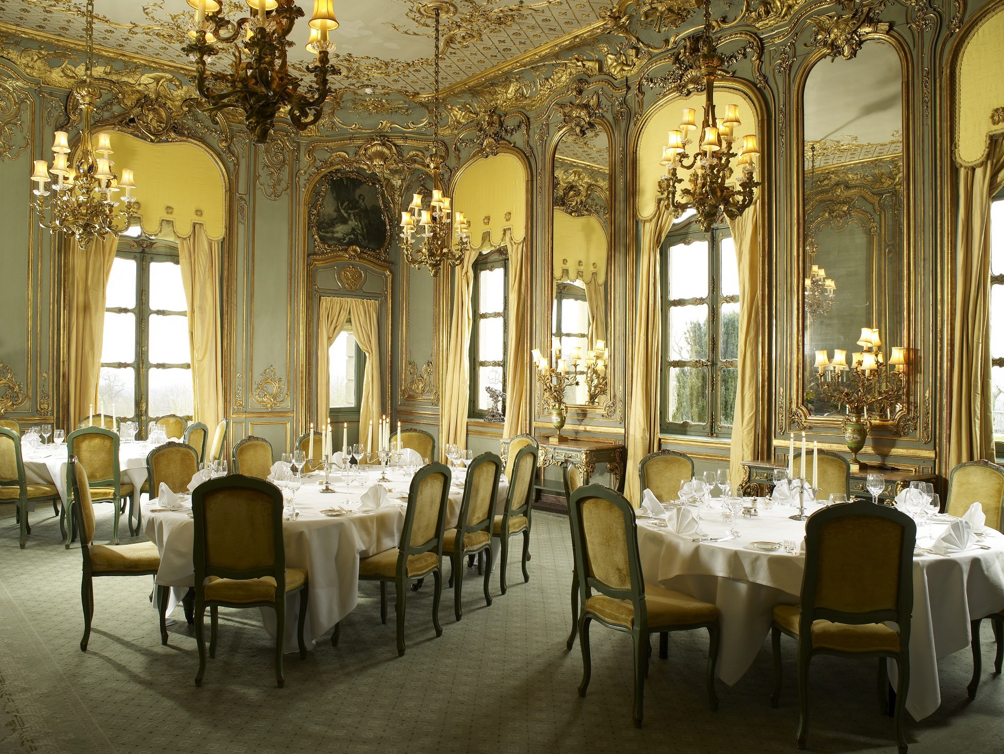 Cliveden a house a hotel a history for A dining room in french