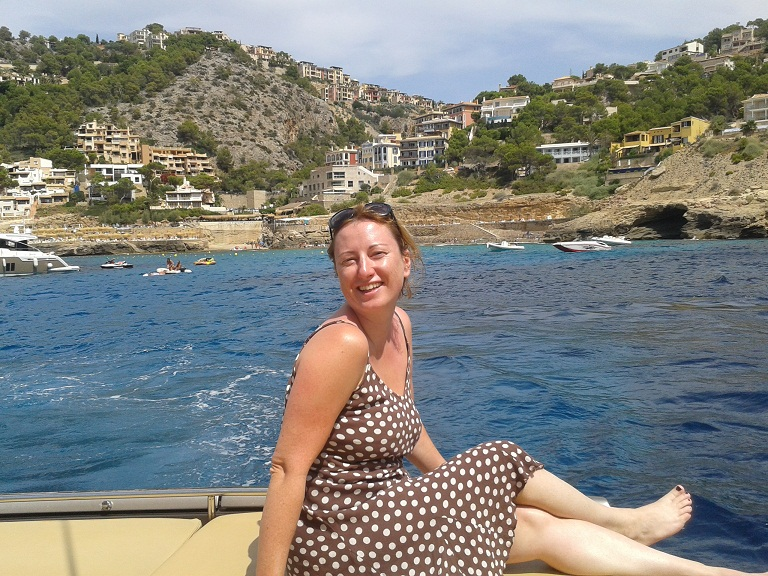 Waiting to be taken ashore for lunch - how happy do I look!?
