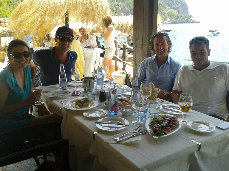 Xisco, Lorenzo and crew enjoying lunch at Gran Folies