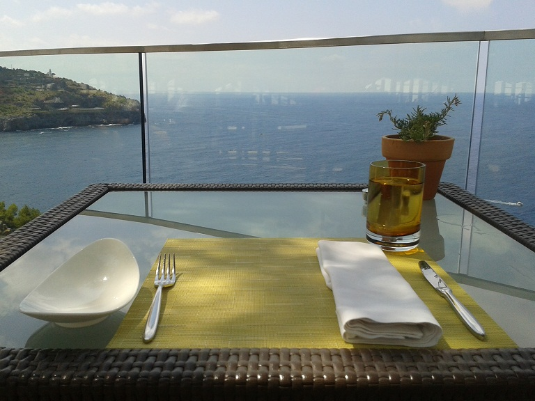 Lunch with a view at the Jumeirah