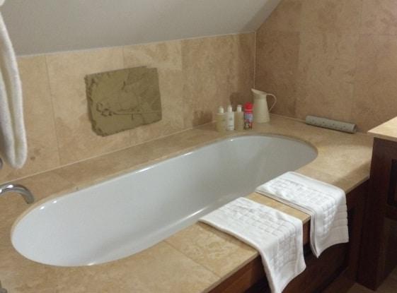 bath at Calcot Manor