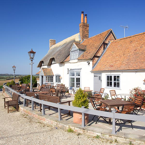 The Crab and Boar pub with rooms in Berkshire: classic country food pub (with hot tubs)