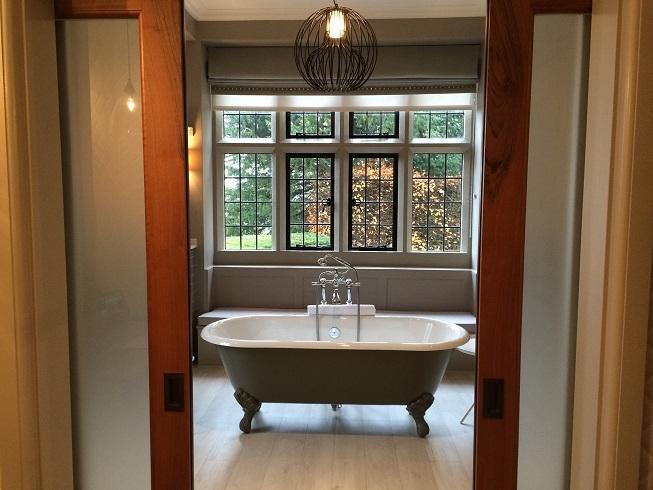 bath with doors