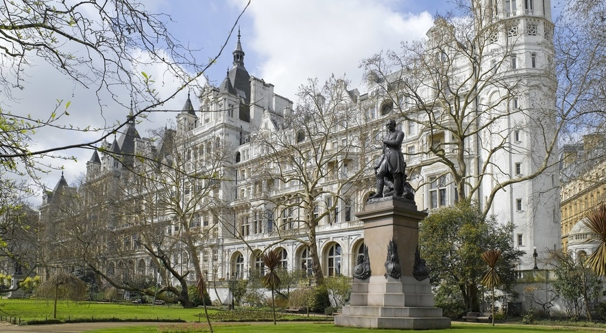A very Christmassy stay at The Royal Horseguards Hotel, London