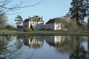 ALadyofLeisure.com luxury hotel reviews Brockencote Hall Worcestershire exterior