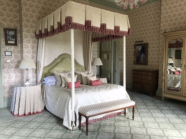 Four poster bedroom in Kilworth House hotel