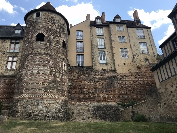 The Roman walls of Le Mans