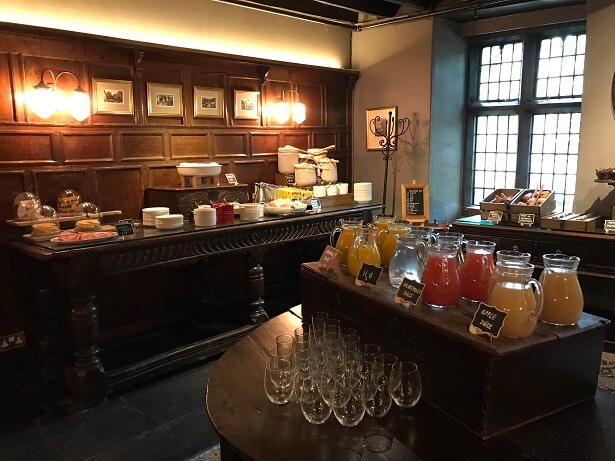 breakfast buffet Lygon Arms
