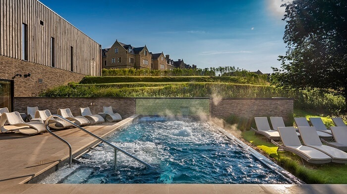large hydrotherapy pool at South Lodge