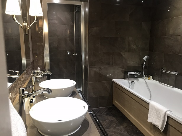 New Hall hotel bathroom