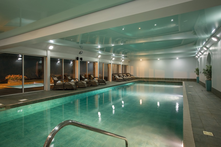 The indoor swimming pool at Fawsley Hall hotel