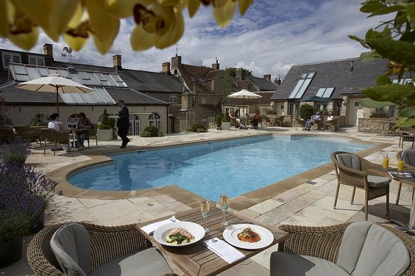hotels with swimming pools feversham arms