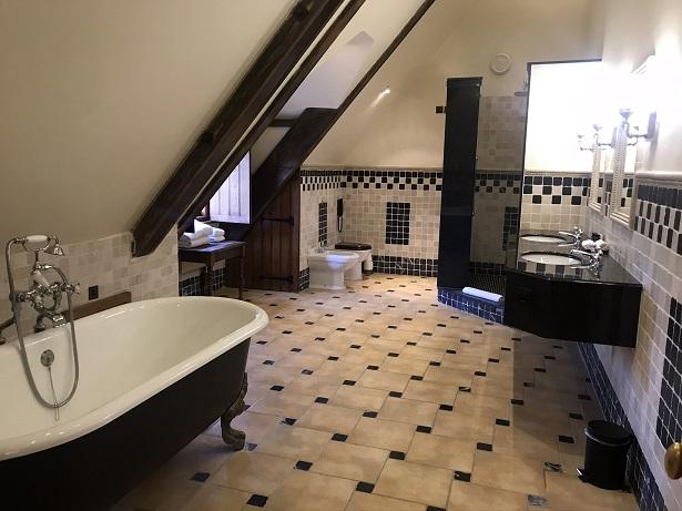 Lainston House hotel bathroom