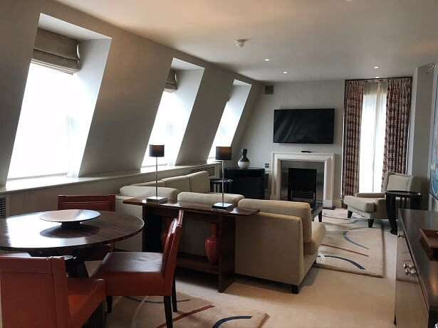 The lounge in the Penthouse Suite