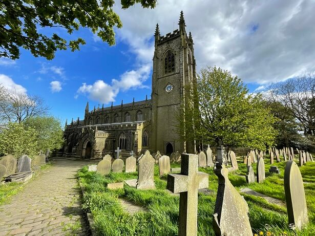 The impressive church of St Thomas the Apostle in Heptonstall lies next to the ruins of the previous church, St Thomas a Becket