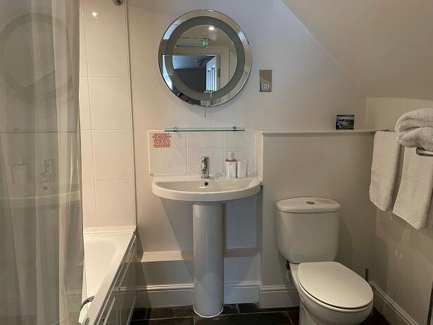 bathroom The Old Vine hotel