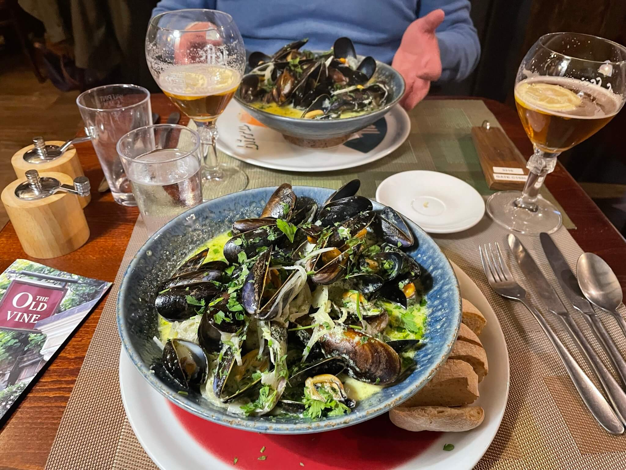 Cornish mussels with shallots, white wine and cream